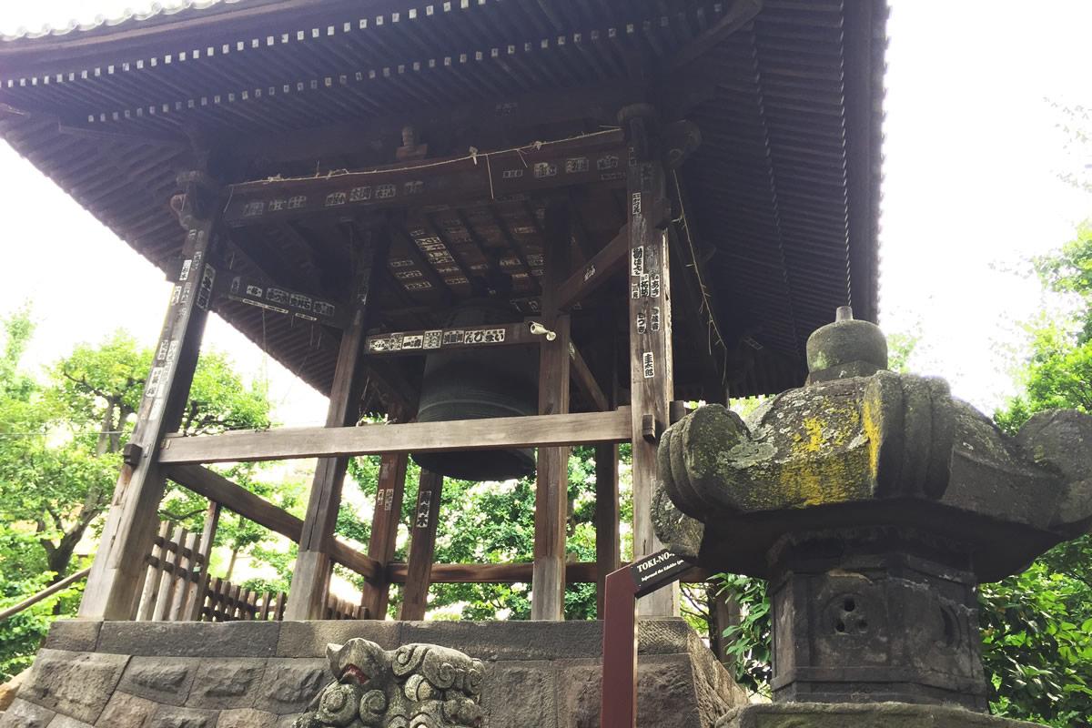 弁天山の鐘つき堂